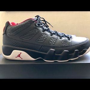 9844146257ed5e Jordan Shoes - A pair of used Air Jordan 9 Retro low Bred 11.5